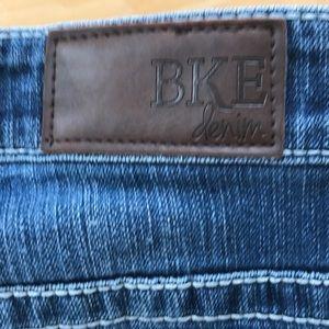 BKE Jeans - BKE Payton Capri.  GUC
